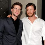 Liam y Chris Hemsworth durante la premier de  'The Last Song'