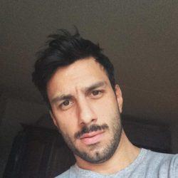 Jwan Yosef haciéndose un selfie