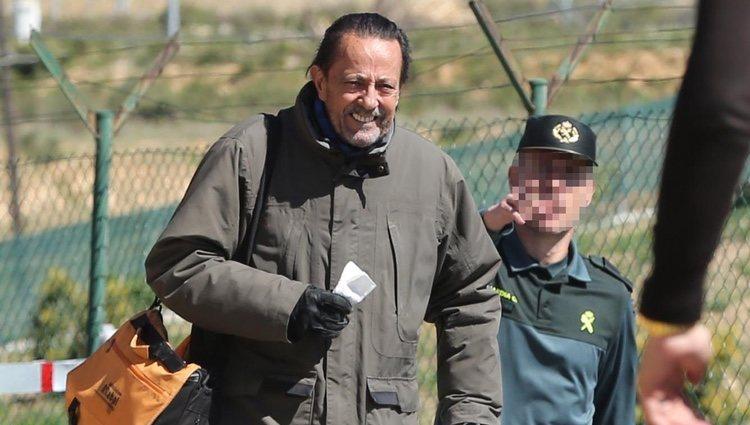Julián Muñoz saliendo de la cárcel tras la concesión del tercer grado