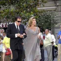 Norma Duval y José Frade en la boda de Paloma Segrelles Emilio Álvarez