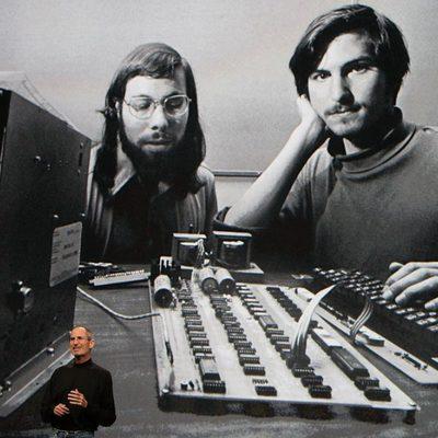Steve Jobs y Steve Wozniak en los inicios de Apple