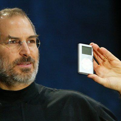 Steve Jobs presenta el iPod