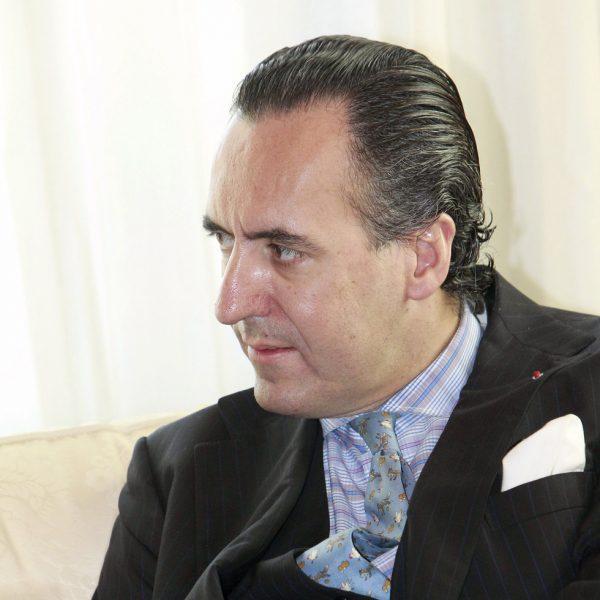 Enrique Ponce, nombrado hijo predilecto de Valencia