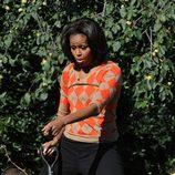 Michelle Obama se divierte en la huerta de la Casa Blanca