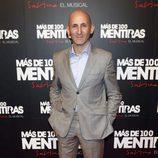 Modesto Lomba en el estreno del musical de 'Más de 100 mentiras'
