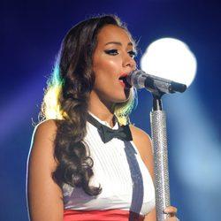 Leona Lewis durante su actuación en el concierto homenaje a Michael Jackson