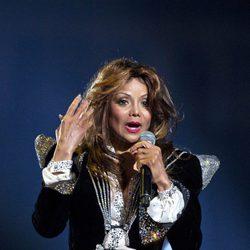 La Toya Jackson durante su actuación en el concierto homenaje a Michael Jackson