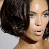 Bello primer plano de Beyonce durante la grabación de su nuevo videoclip 'Countdown'