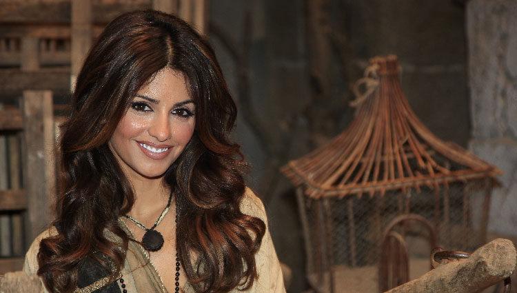 Mónica Cruz interpreta el personaje de una pirada en la serie 'Águila Roja'