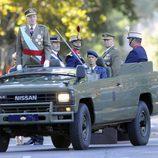El Rey Juan Carlos pasa revista a la Guardia Real el Día de la Hispanidad