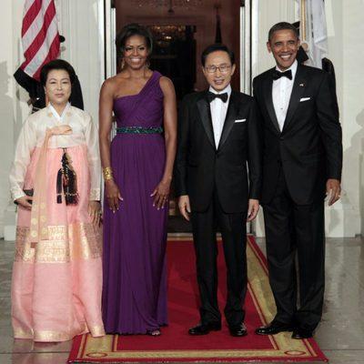 Barack y Michelle Obama junto al presidente de Corea del Sur y su mujer en una cena de gala