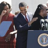 Stevie Wonder, Barack y Michelle Obama en el monumento a Martin Luther King