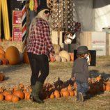 Christina Aguilera con su hijo buscan la calabaza para Halloween