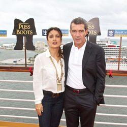 Salma Hayek y Antonio Banderas promocionan 'El Gato con Botas' en Miami
