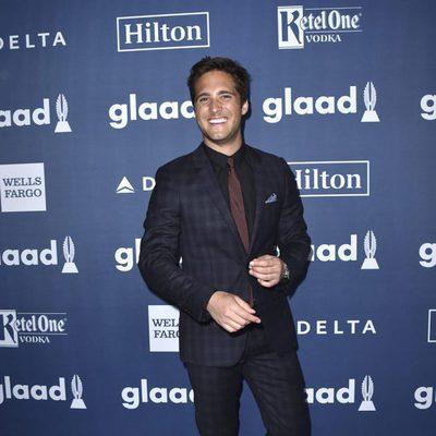 Diego Boneta en el photocall de  los Premios GLAAD Media 2016