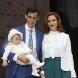 Víctor Janeiro y  Beatriz Trapote en el bautizo de su hijo Víctor Janeiro Jr