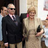 Carmen Bazán junto a los invitados en el bautizo de Víctor Janeiro Jr