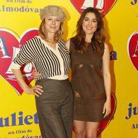 Emma Suárez y Adriana Ugarte en la presentación de 'Julieta' en Barcelona