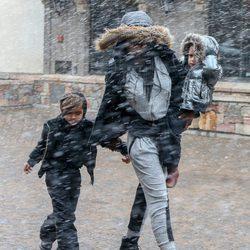 Kourtney Kardashian junto a sus hijos Penélope y Mason