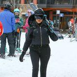 Khloe Kardashian durante su jornada de esquí