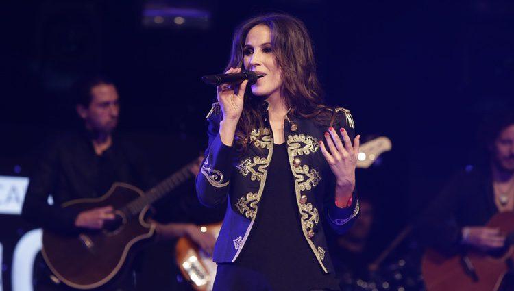 Malú durante su actuación en la Noche de Cadena 100 en Madrid