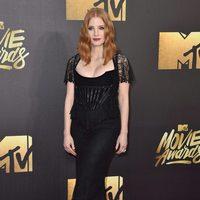 Jessica Chastain en alfombra roja de los MTV Movie Awards 2016