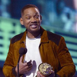 Will Smith recogiendo su Premio MTV Movie Awards 2016