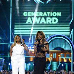 Queen Latifah y Halle Berry presentado un premio MTV Movie Awards 2016