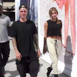 Justin Bieber y Hailey Baldwin paseando en Los Ángeles