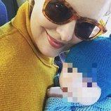 Tania Llasera con su hijo Pepe Bowie