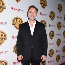 Russell Crowe en la fiesta Warner en la CinemaCon 2016 en Las Vegas