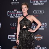 Emily VanCamp en el estreno de 'Capitán América: Civil War'