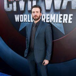 Chris Evans en el estreno de 'Capitán América: Civil War'