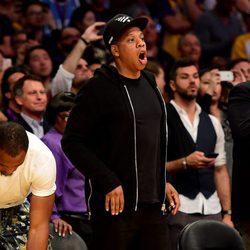 Jay Z emocionado en el último partido de Kobe Bryant en los Lakers