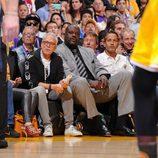 Shaquille O Neal acude al último partido de Kobe Bryant en los Lakers
