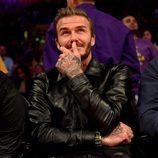 David Beckham y  Brooklyn acude al último partido de Kobe Bryant en los Lakers