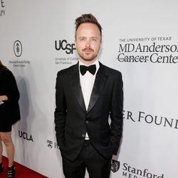 Aaron Paul en la gala benéfica de la Fundación Parker en Los Ángeles