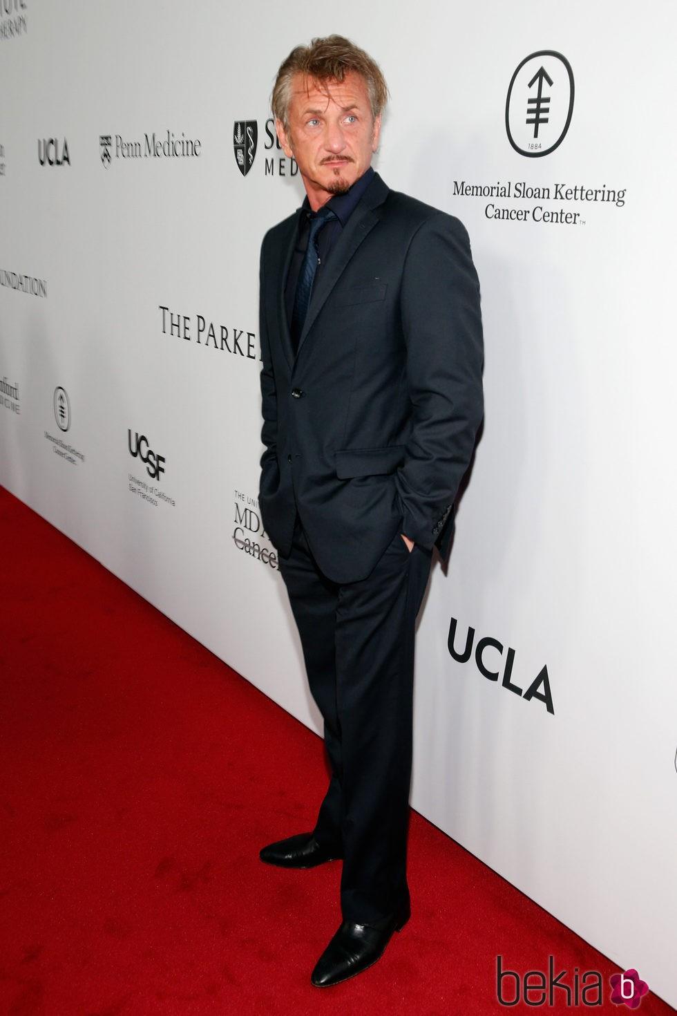 Sean Penn en la gala benéfica de la Fundación Parker en Los Ángeles