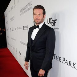 Bradley Cooper en la gala benéfica de la Fundación Parker en Los Ángeles