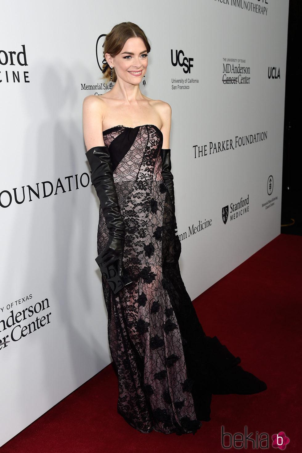 Jaime King en la gala benéfica de la Fundación Parker en Los Ángeles