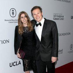 La Princesa Beatriz de York y Dave Clark en la gala benéfica de la Fundación Parker en Los Ángeles
