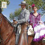 Fran Rivera y Lourdes Montes a caballo en la Feria de Abril 2016