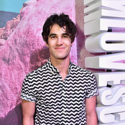 Darren Criss en el pop up de H&M en el festival de Coachella 2016