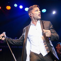 Ricky Martin actuando en la Gala amfAR 2016 de Sao Paulo
