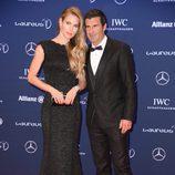 Luis Figo y Helen Svedin en los Premios Laureus 2016 en Berlín