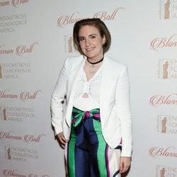 Lena Dunham en la fiesta benéfica de 'Blossom Ball' por la Fundación americana de Endometriosis