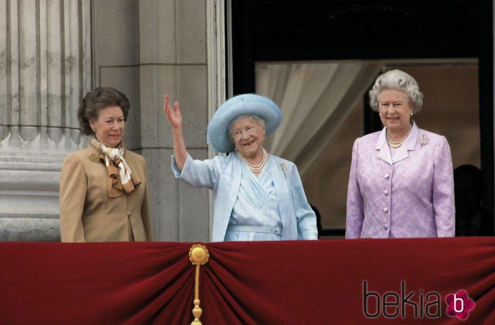 La Princesa Margarita La Reina Madre Y La Reina Isabel Ii Foto En Bekia Actualidad