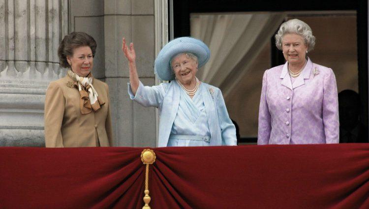 La Princesa Margarita, la Reina Madre y la Reina Isabel II