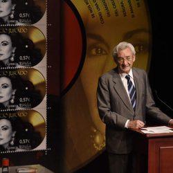 Luis del Olmo en la presentación del sello de Rocío Jurado