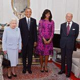 La Reina Isabel y el Duque de Edimburgo con los Obama en un almuerzo en el Castillo de Windsor